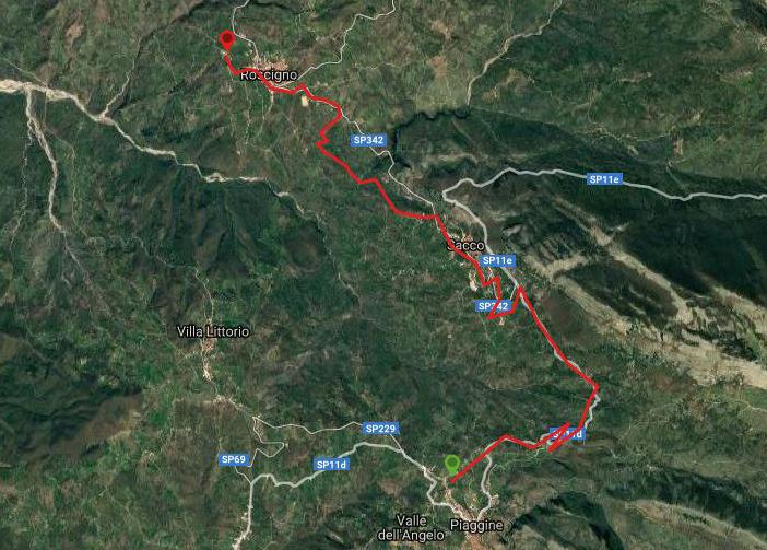 Questa è la strada percorsa da Nicola e Fela tra Piaggine-Roscigno Vecchio