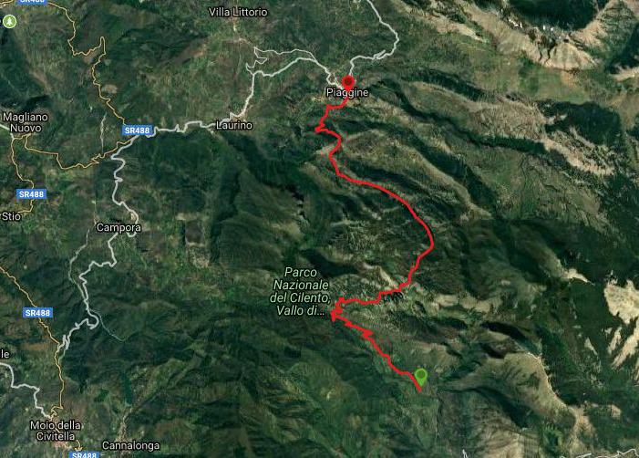 Questa è la strada percorsa da Nicola e Fela tra Pruno di Laurino-Valle dell'Angelo