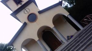 la chiesa che abbiamo incontrato per ripararci dalla pioggia la prima note io e fela, Non fare l'asino